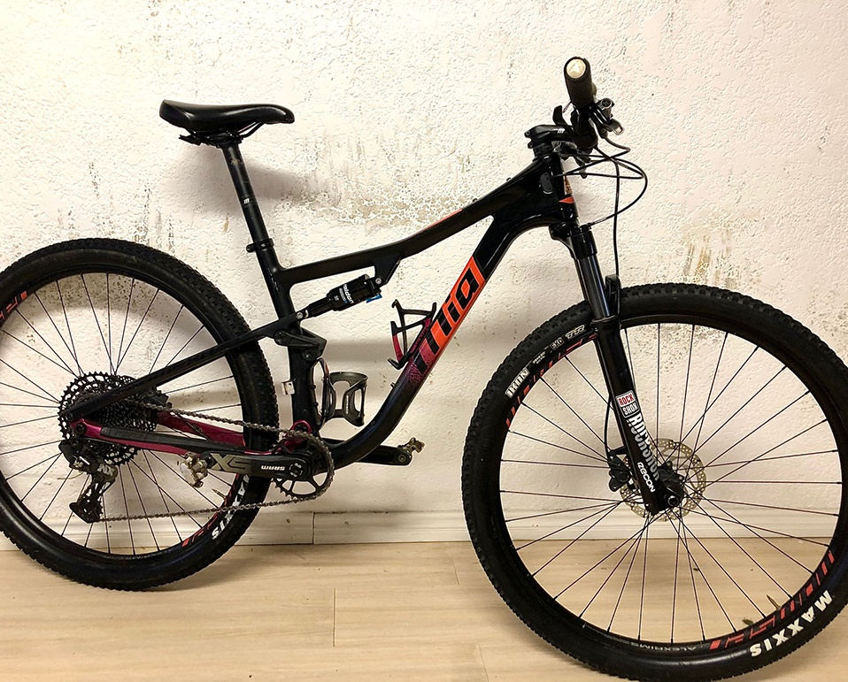 MTB8890U-MTB MOMSEN MIA VIPA RACE MEDIUM CARBON USED (1)